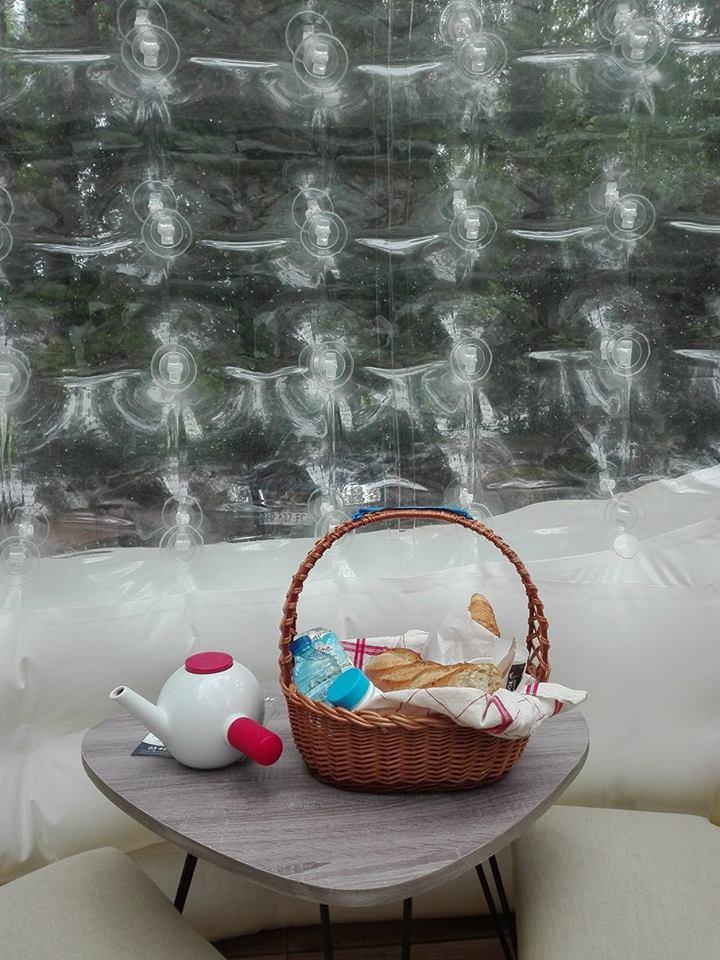 maison bulle prix chf u prix de vente with maison bulle. Black Bedroom Furniture Sets. Home Design Ideas